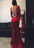 Женское платье в пол с открытой спиной и короткими рукавами