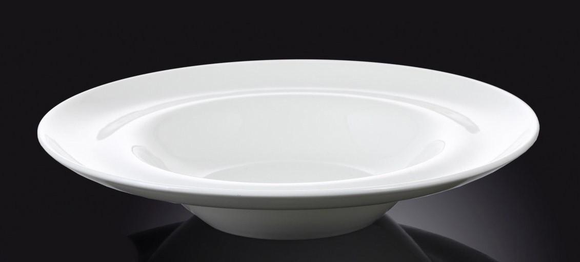 Тарелка фарфоровая глубокая Wilmax круглая белая (25,5 см)