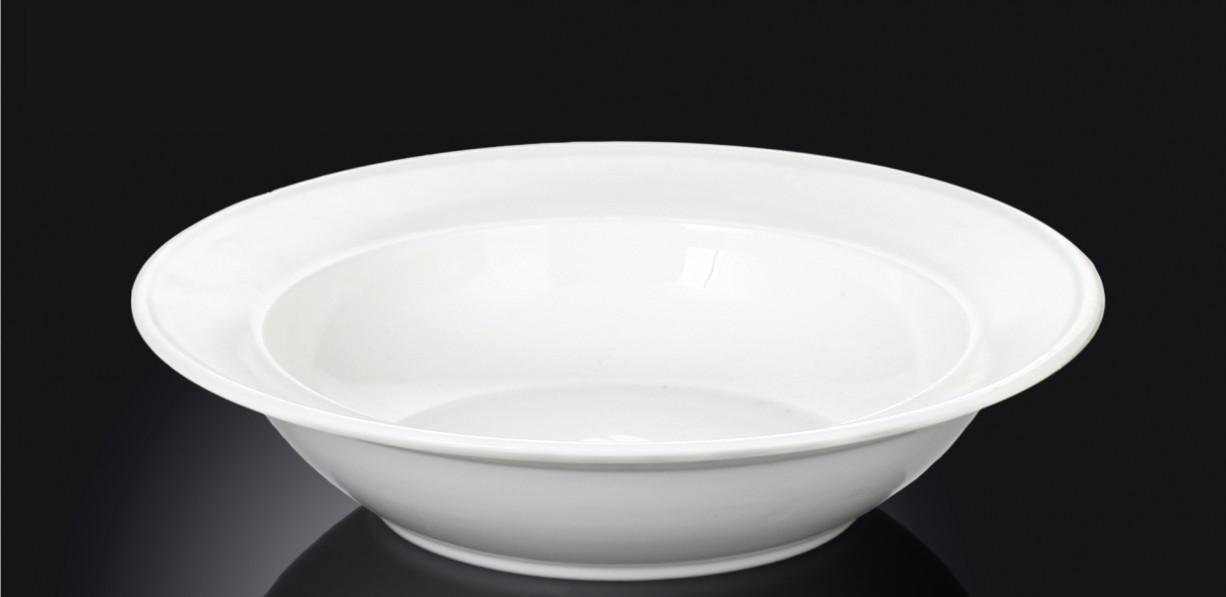 Тарелка фарфоровая глубокая Wilmax круглая белая (23 см)