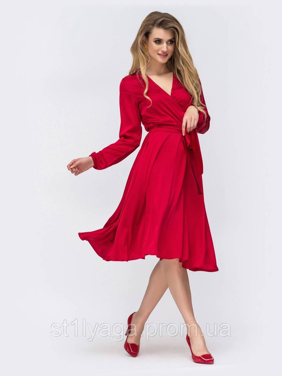 Шовкова сукня довжиною міді з ліфом на запах