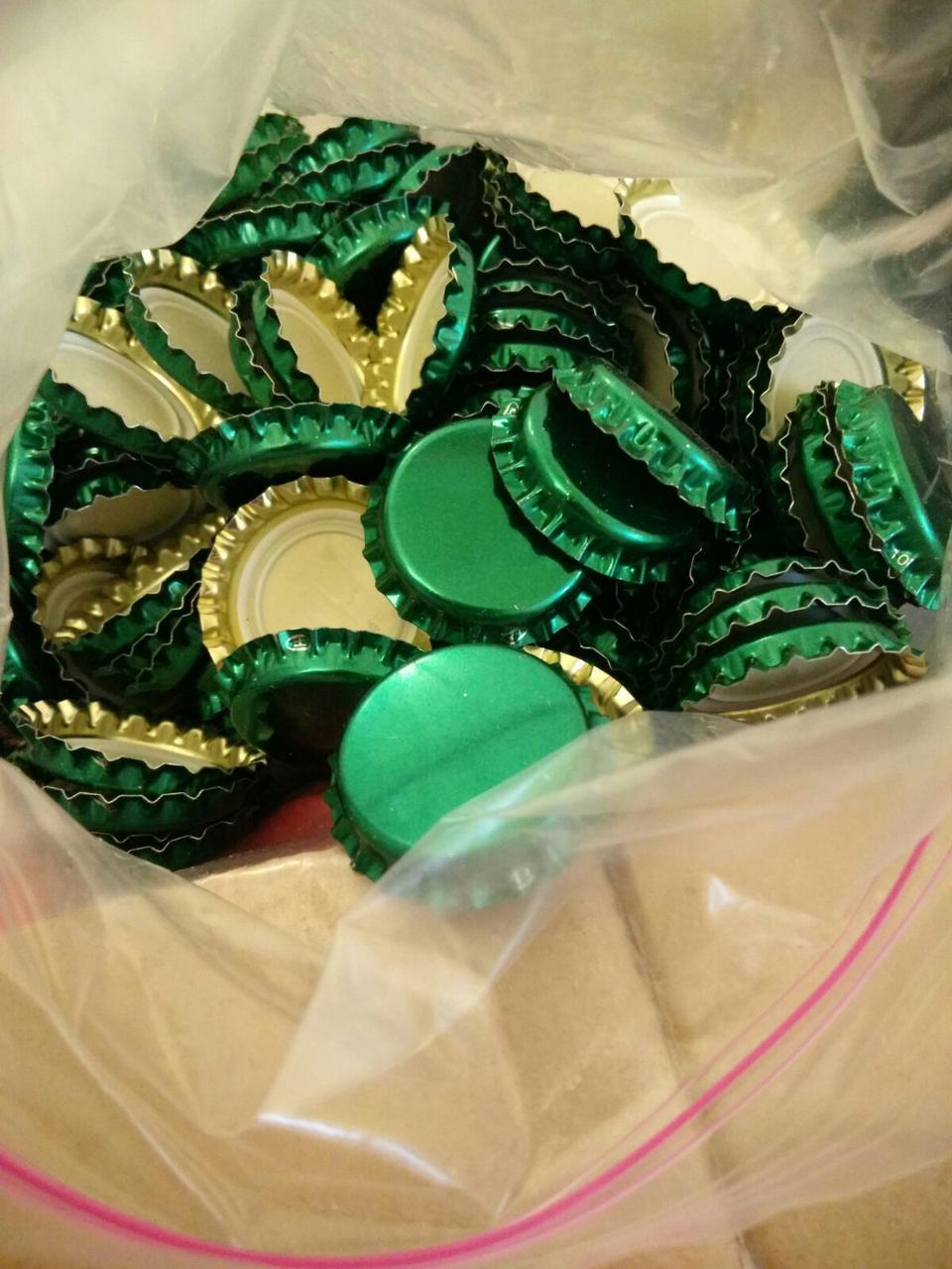Кроненкорки для закупорювання пляшок 26 мм зелена