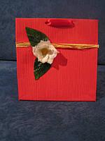 Подарочный пакет ручной работы красный М