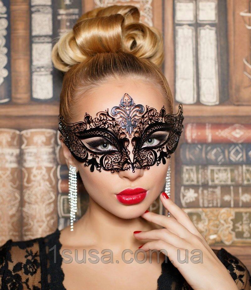 Асимметричная венецианская маска из металла черная женская со стразами