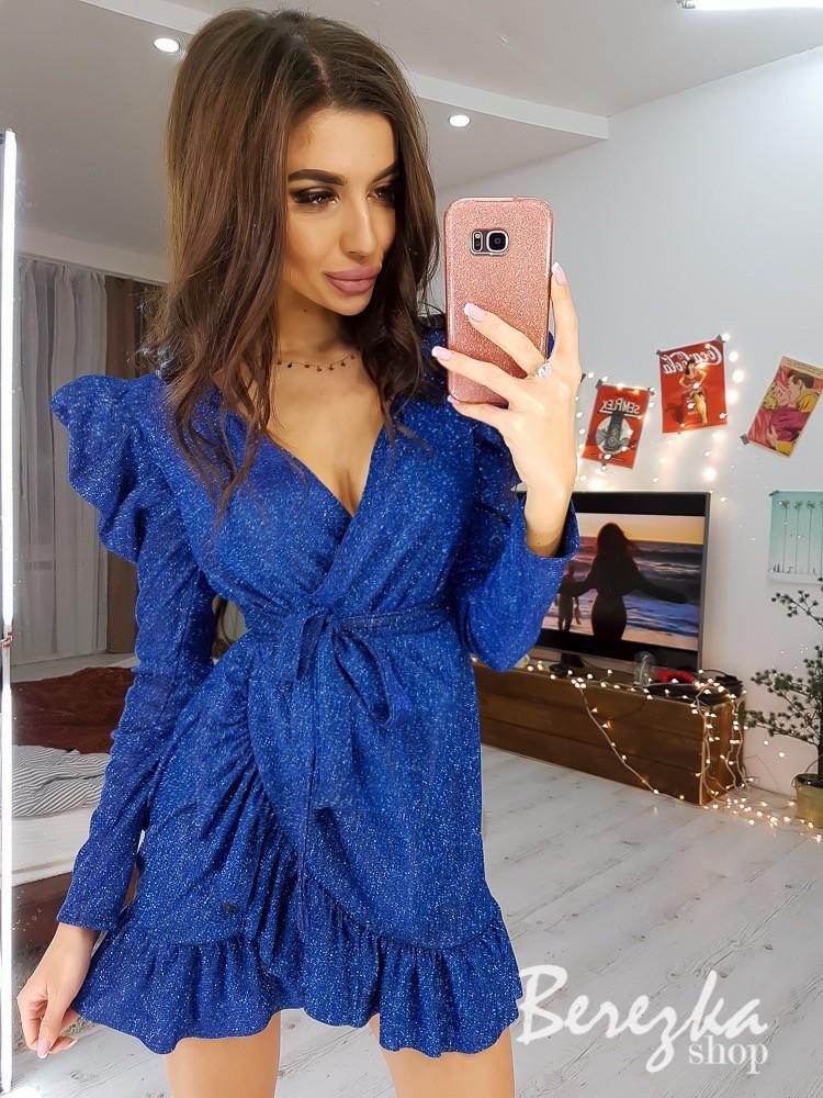 Платье из трикотажа люрекс на запах с рукавом фонариком и оборками на юбке 6603648E