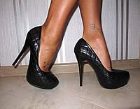 Кожаные женские туфли на шпильке