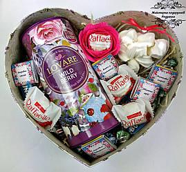 Подарунковий набір №50 з чаєм та цукерками. Подарунок бабусі, мамі, жінці, колезі, сестрі, тітці, вчительці