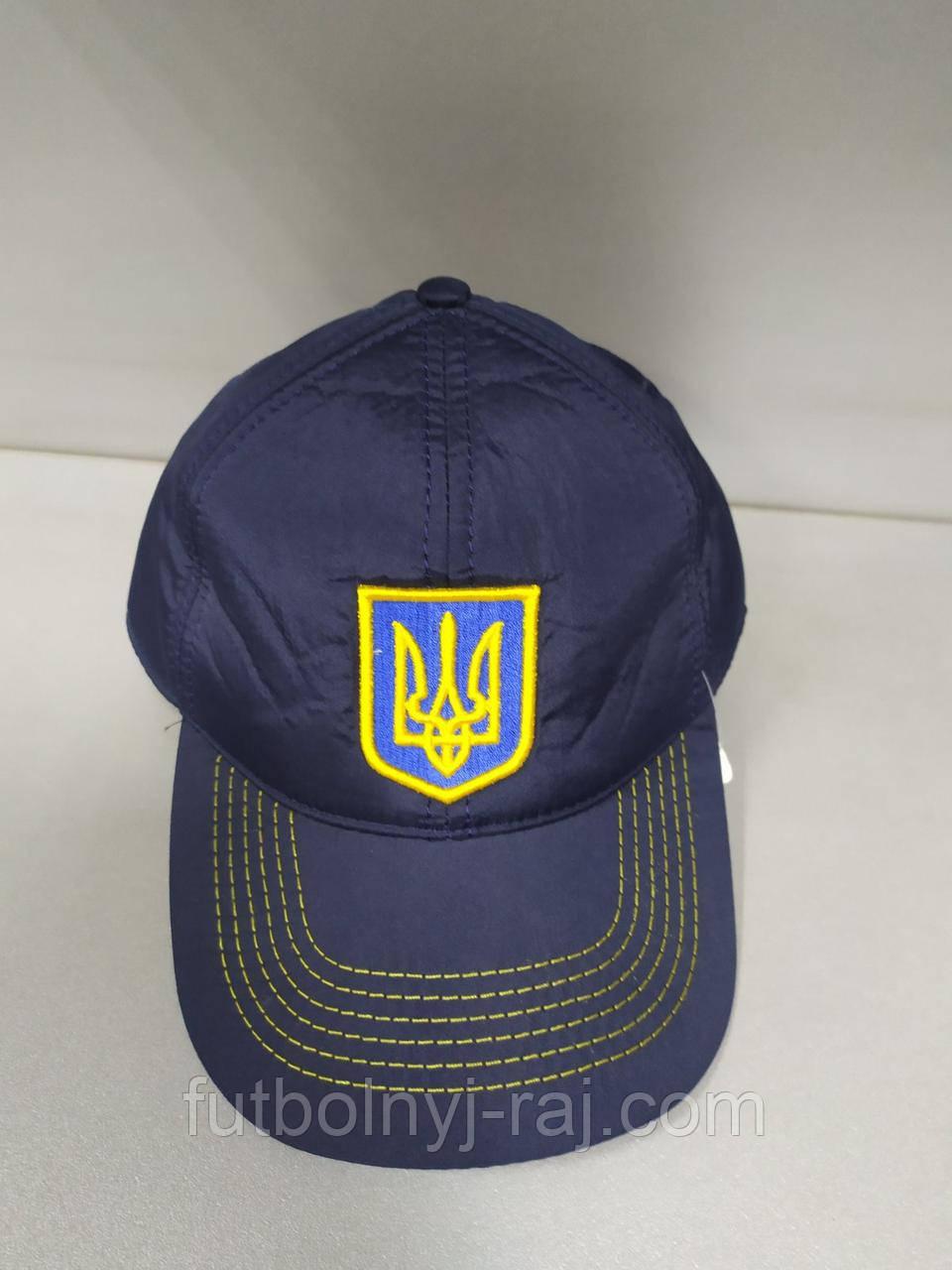 Бейсболка утеплена з символікою України