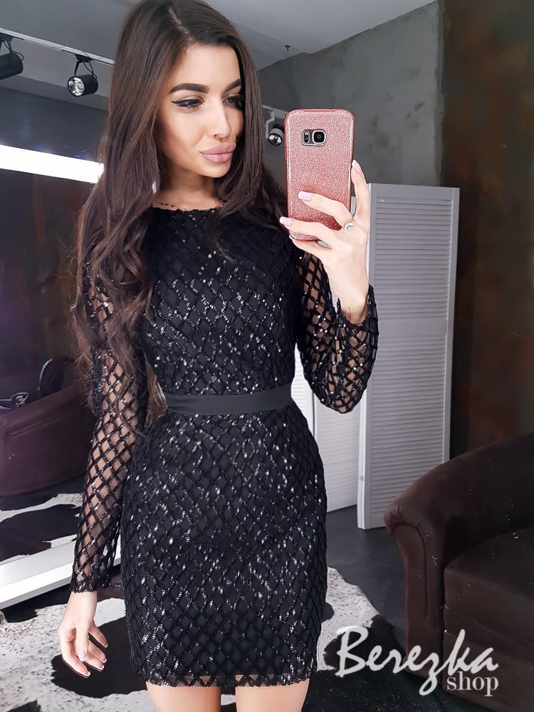 Короткое черное платье с сеткой и пайетками 66py643E