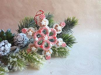 Новогодний декор- снежинка имбирная
