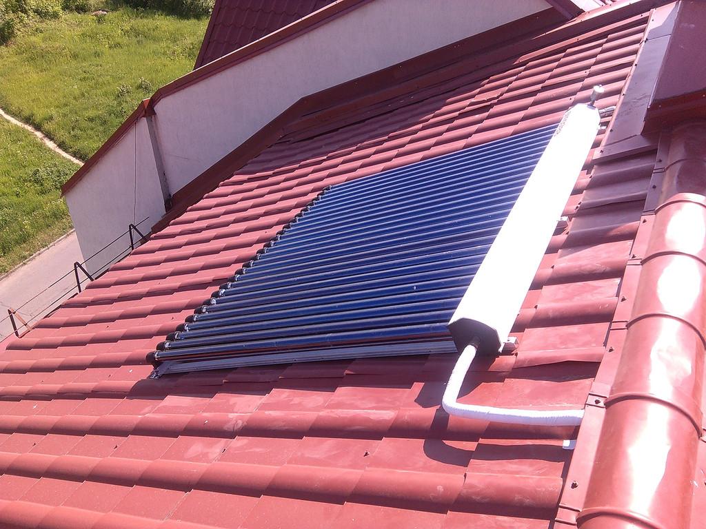 Солнечный водонагрев 300 л. на крыше