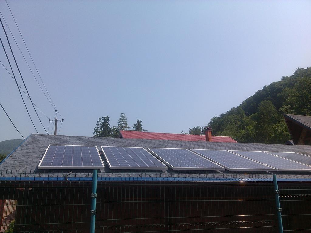 Фотоэлектростанция на 2,4 кВт для экономии и резервного освещения