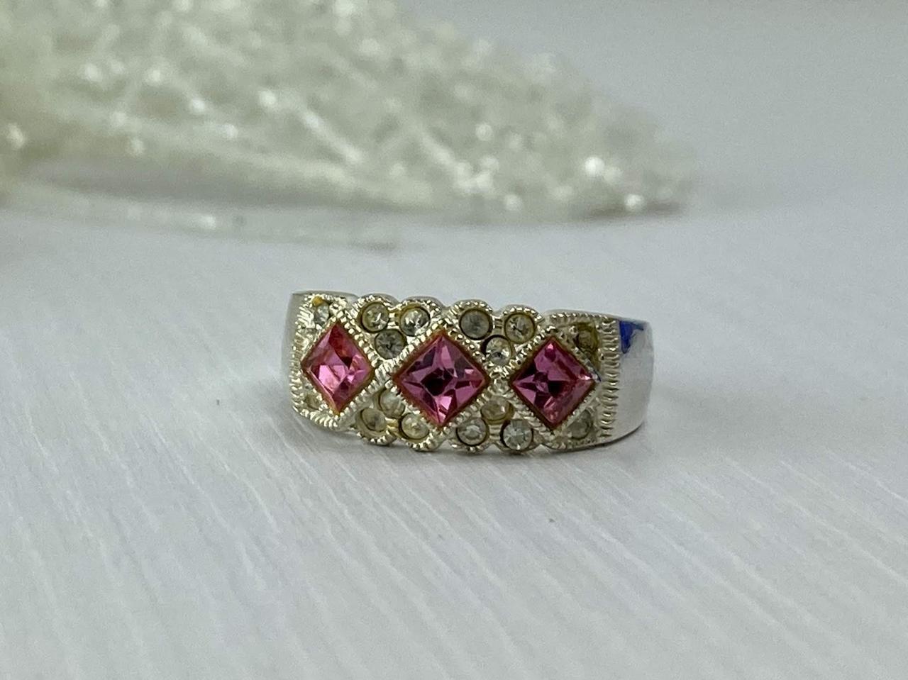 Серебряное кольцо 925 пробы с розовыми и белыми Фианитами