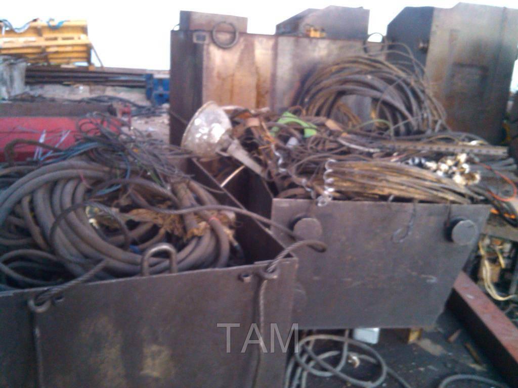 Куплю на металлолом старые металосодержащие конструкции
