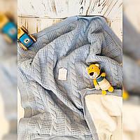 Детский вязаный плед с косами на утепленной подкладке голубой T.F. Taffy