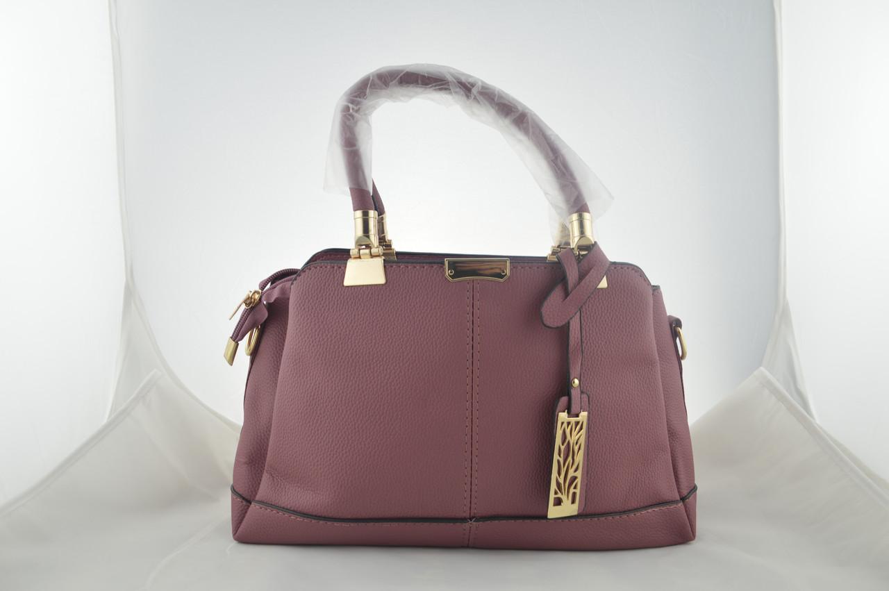 Женская сумка держит форму из эко кожи