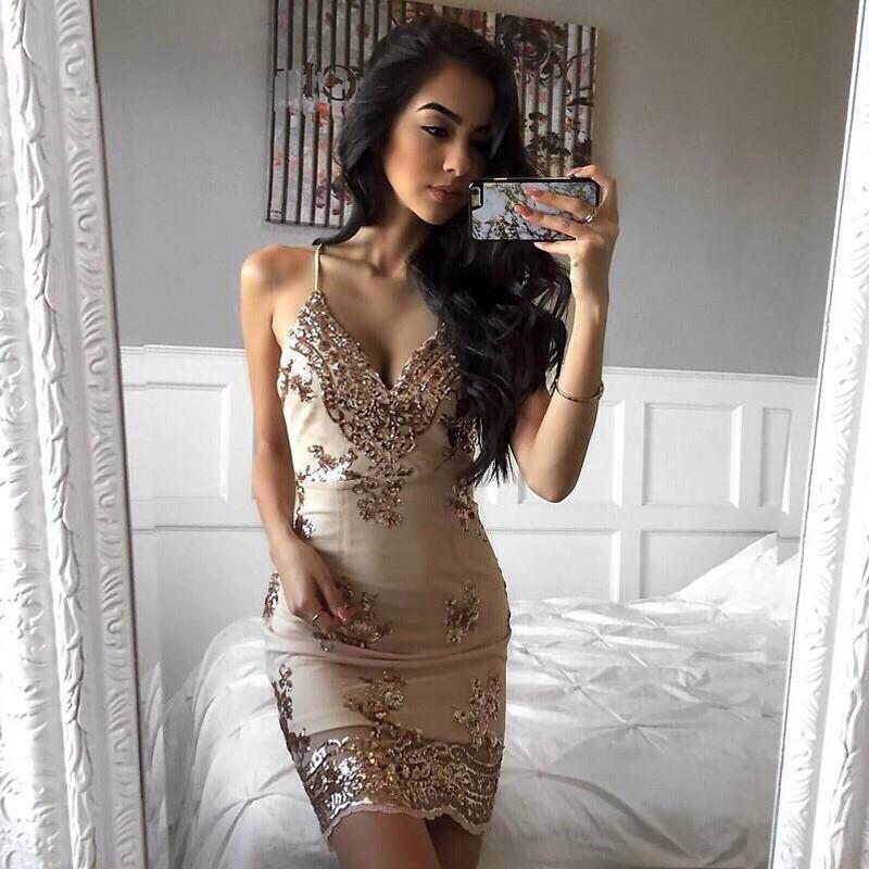 Кружевное платье на бретелях с декольте 48plt558