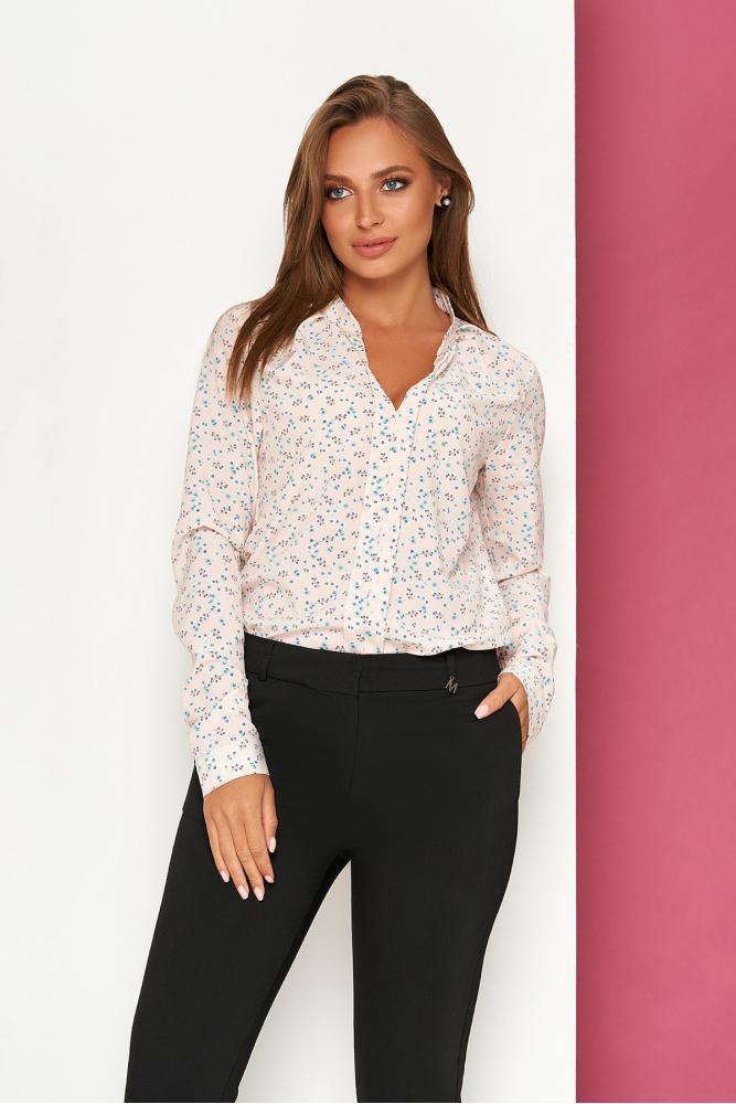 Легкая пудровая блуза с цветочным принтом и v-образным вырезом
