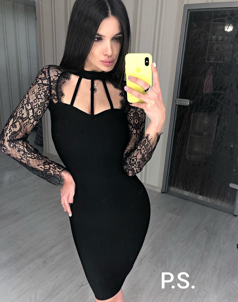Обтягивающее черное платье с кружевными рукавами и фигурным вырезом 76plt607