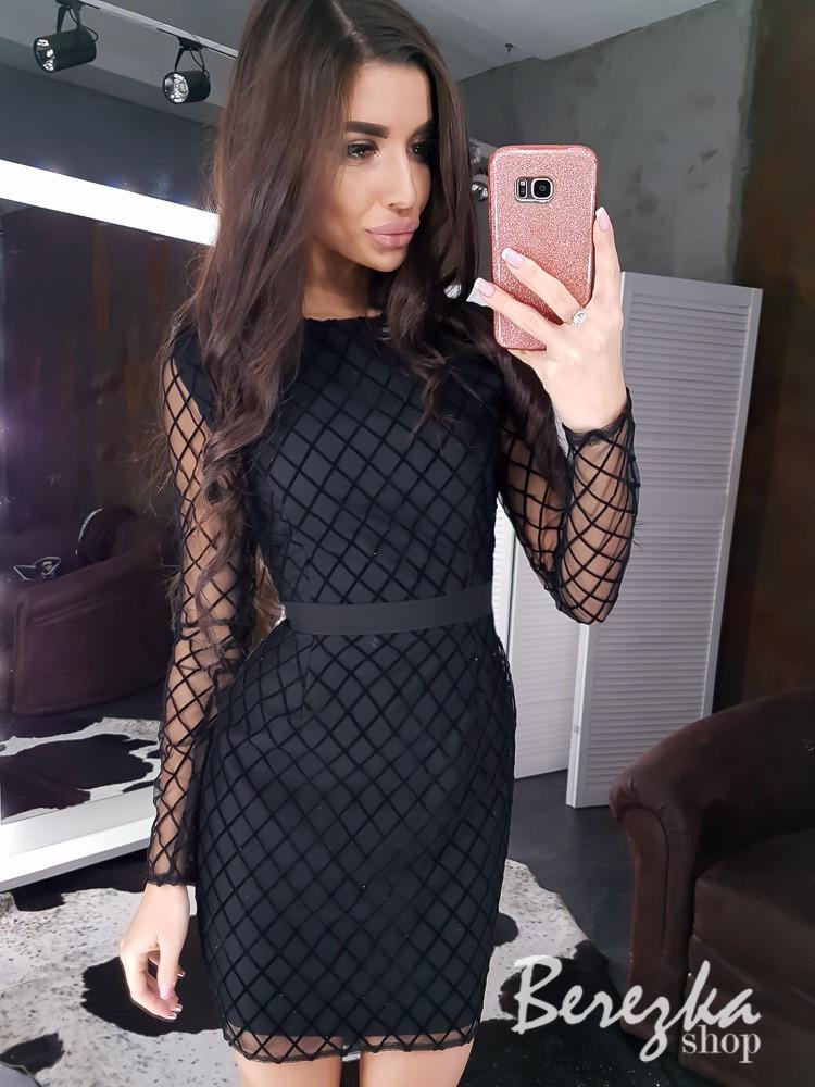Короткое платье футляр из сетки в ромбик и с длинным рукавом 66plt649E