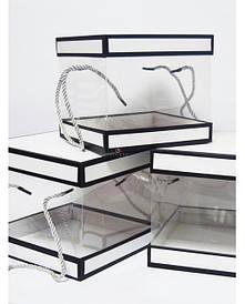 Квадратні прозорі коробки