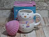 Новогодняя чашка с крышкой Снеговик розовый 300 мл, фото 4