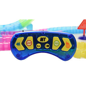 Детская гоночная трасса Dazzle Tracks 326 с машинкой на пульте + ПОДАРОК: Настенный Фонарик с регулятором, фото 2