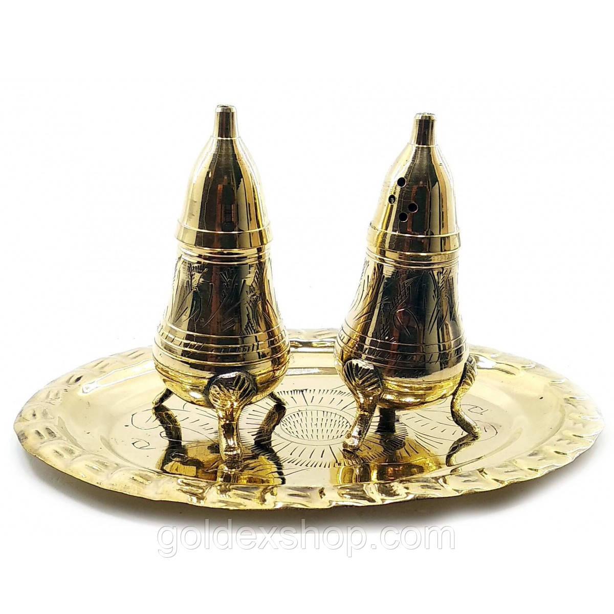 Солонка с перечницей из бронзы на подносе (н-р 2 шт)
