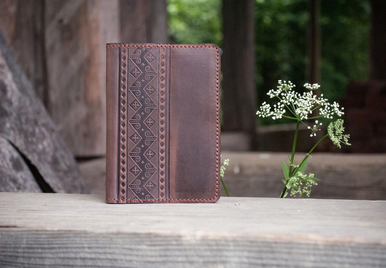 Обложка для паспорта ЭТНО орнамент коричневый 9.5*13.5см 01-8КО