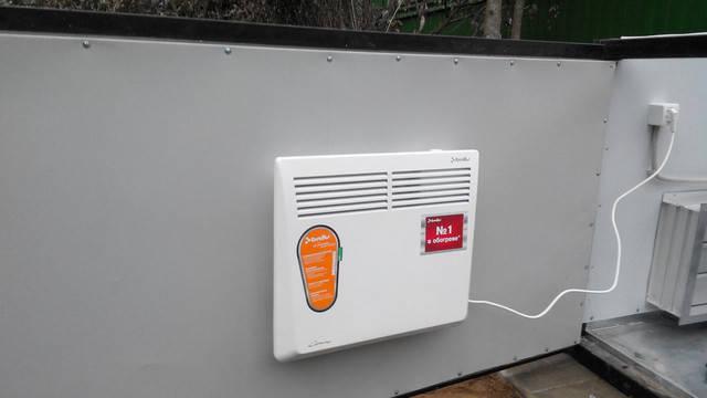 Конвекрторный обогреватель со встроенным терморегулятором