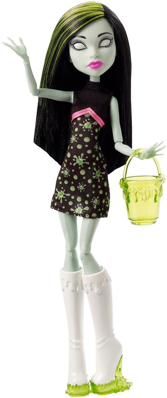 Monster High Скара Скримс из серии Школьная ярмарка Ghoul Fair Scarah Screams Doll