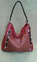 Женская сумка-мешок красивая красная с перфорацией (Турция)