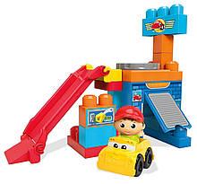 Mega Bloks First Builders Перші будівельники Ігровий набір Гараж Spin 'n Play Spinning Garage Playset DKX85