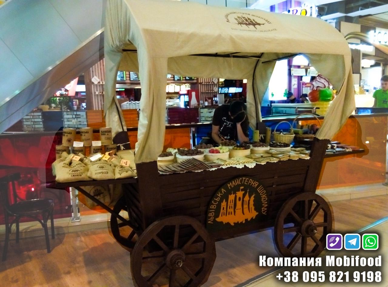Торговая тележка-стенд в виде кареты  (РТД-6).