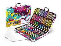 Crayola Набор для творчества в чемодане 140 предметов Inspiration Art Case Pink