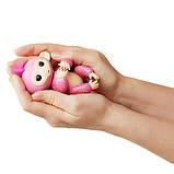 WowWee Fingerlings Блестящая интерактивная ручная обезьянка Glitter Rose Baby Monkey Interactive, фото 6