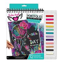 Fashion Angels Творческий набор для юного художника с пастелью The World is Your Runway Pastel Sketch Portfolio