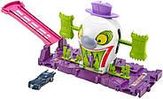 Трек Хот Вилс Веселый дом Джокера Hot Wheels DC The Joker Playset, фото 2