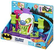 Трек Хот Вилс Веселый дом Джокера Hot Wheels DC The Joker Playset, фото 3