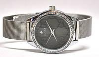 Часы на браслете4010110