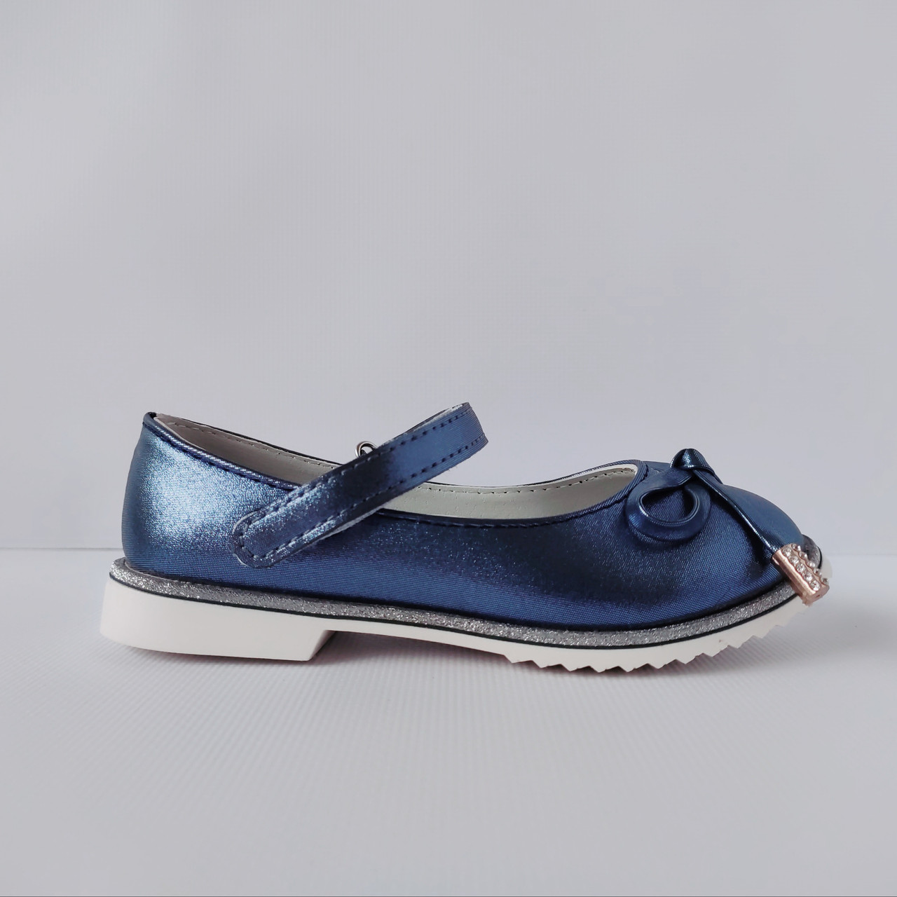 Нарядные детские синие туфли на каблучке девочкам, праздничные, комфортные