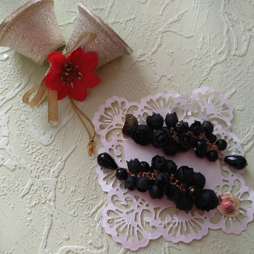 Чёрные серьги гроздья с пионами из полимерной глины