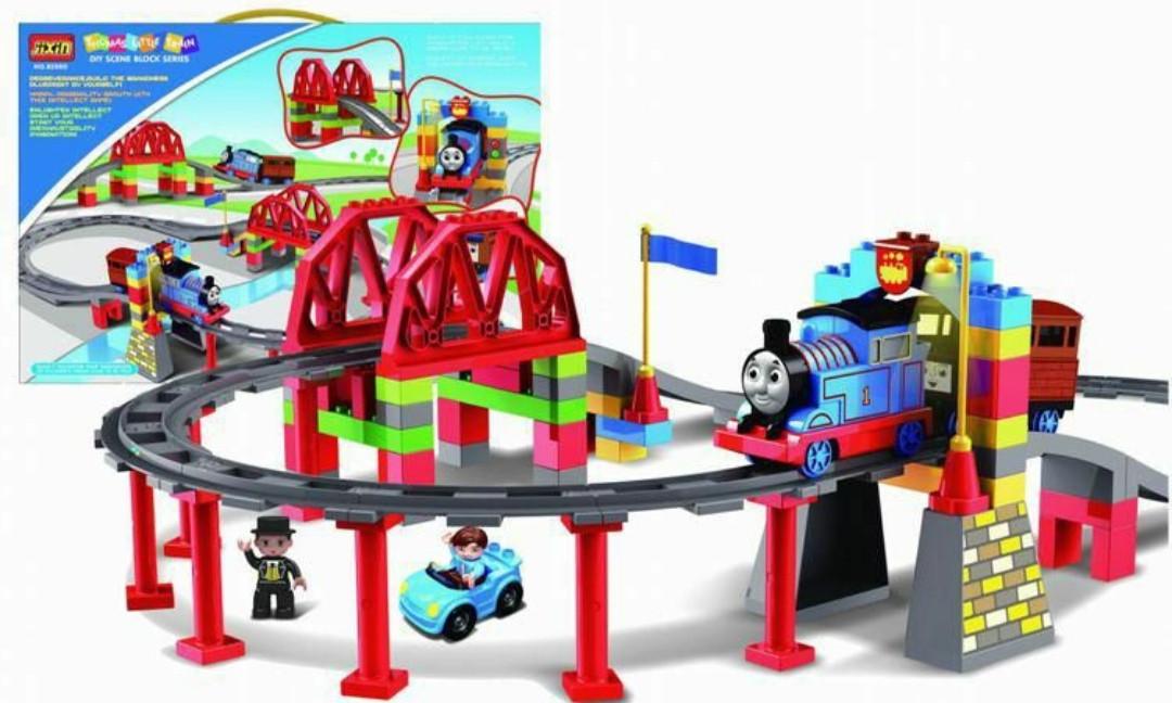 Железная дорога (конструктор) 8288D JIXIN Паровозик Томас