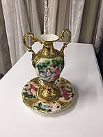 Фарфоровая ваза с тарелкой