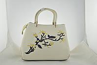 Стильная белая женская сумка с вышивкой из эко кожи, фото 1