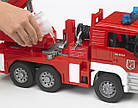 Игрушка - машинка Bruder  пожарный грузовик с лестницей (+водяная помпа+свет и звук)-М1:16-02771, фото 5