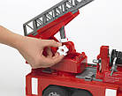 Игрушка - машинка Bruder  пожарный грузовик с лестницей (+водяная помпа+свет и звук)-М1:16-02771, фото 4