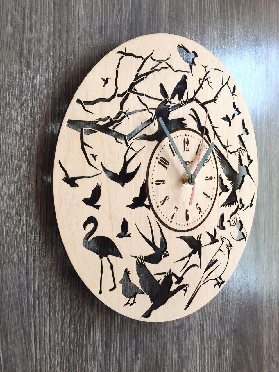 Круглі настінні годинники з дерева 7Arts Пташки CL-0154