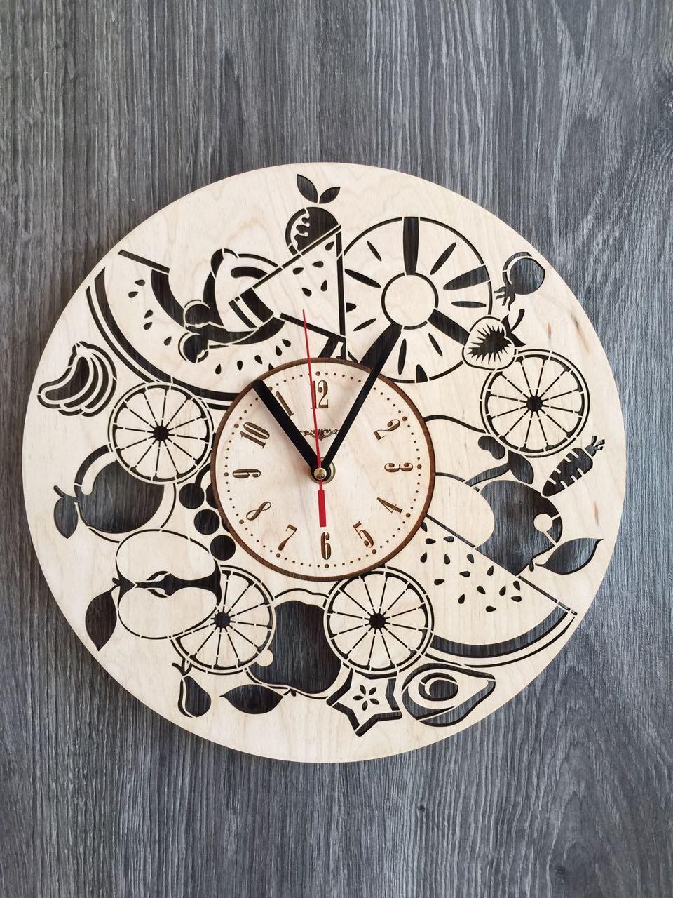 Дерев'яні годинник на стіну 7Arts Соковиті фрукти CL-0131