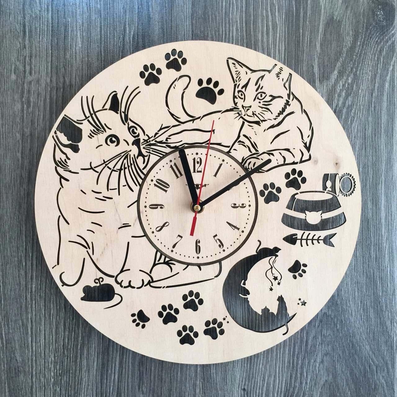 Універсальні настінні годинники з дерева 7Arts Пухнасті котики CL-0155