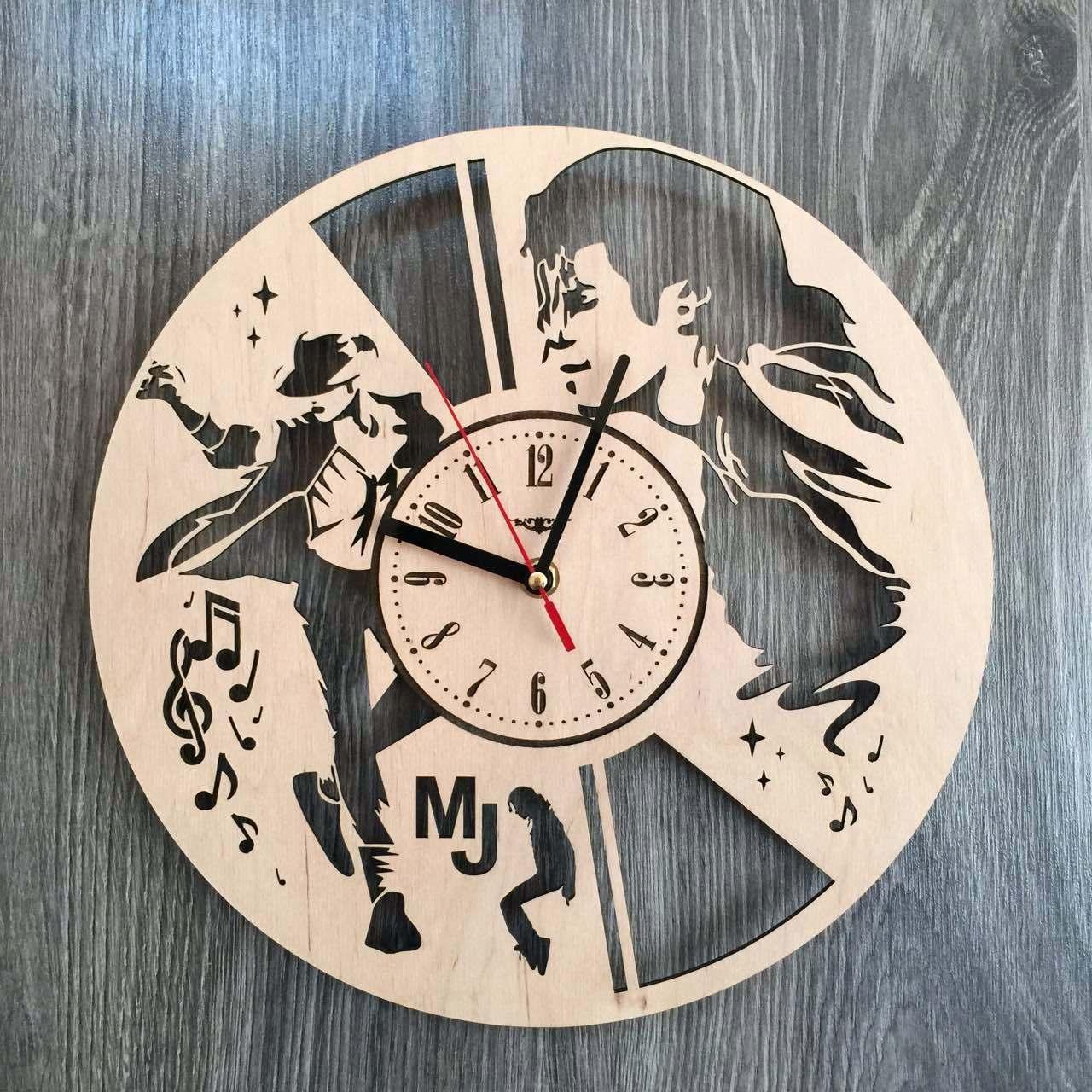 Концептуальні годинник з дерева на стіну 7Arts Легендарний Майкл Джексон CL-0166